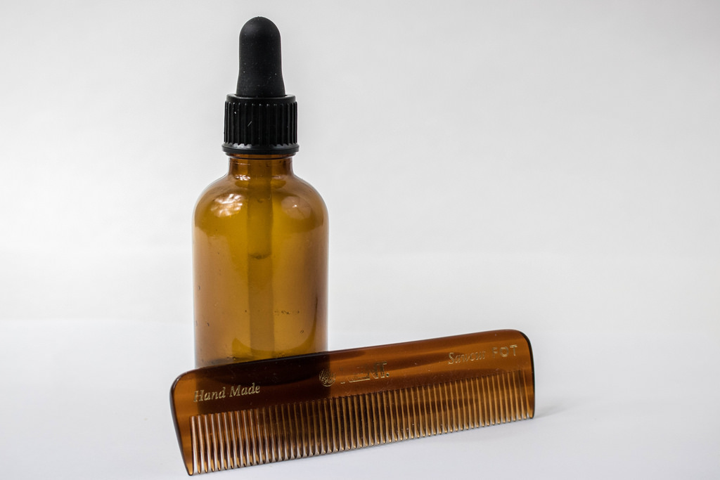 Beard Oil Guide - Beard Comb